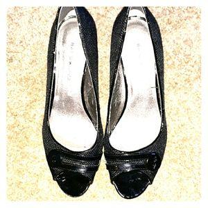 Black peep toe bandolino heels